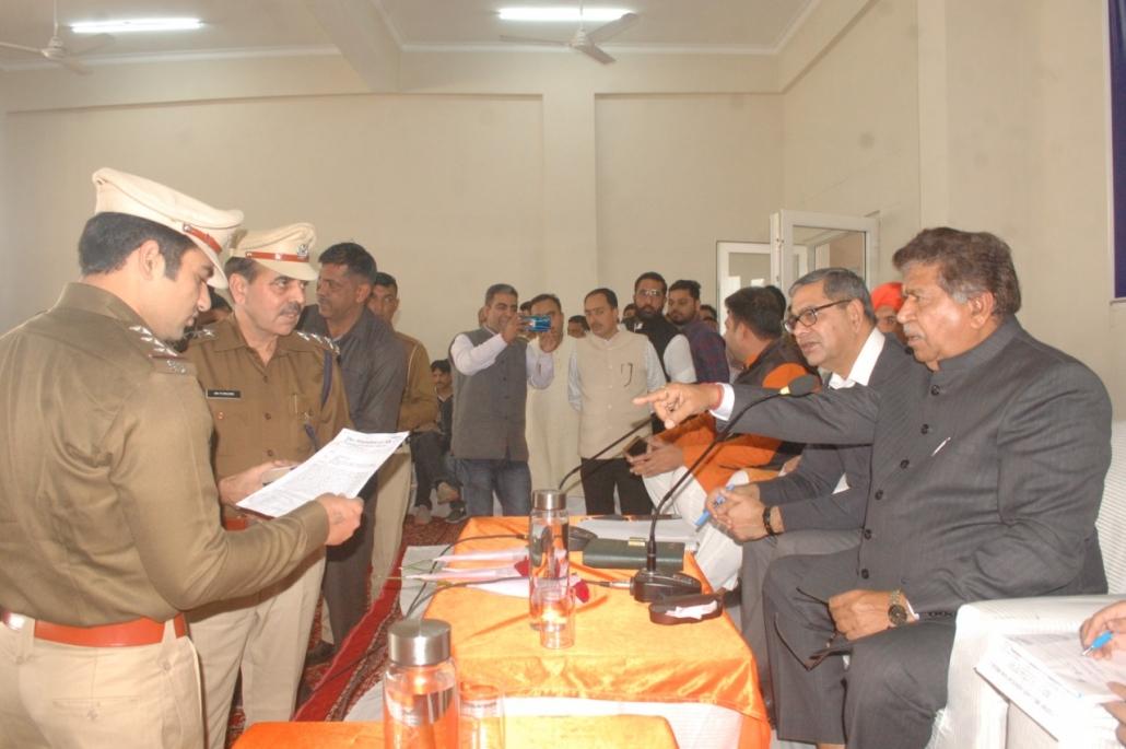 हरियाणा विधान सभा के अध्यक्ष ज्ञान चन्द्र गुप्ता ने अधिकारियों को निर्देश दिए है कि वे पंचकूला को उसके महत्व के अनुरूप विकास कार्याें को पूरा करवाने मे तेजी लाए