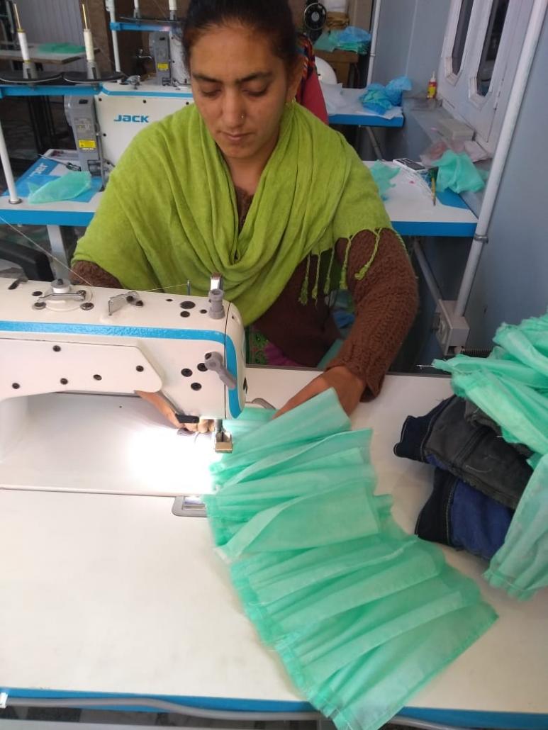 कोरोना वायरस से लडने मे भी मदद कर रही हैं श्हरियाणा राज्य ग्रामीण आजीविकाश् मिशन से जुडी महिलाएं।।